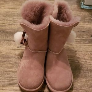 Like new Girls Rose Pink Suede UGGs